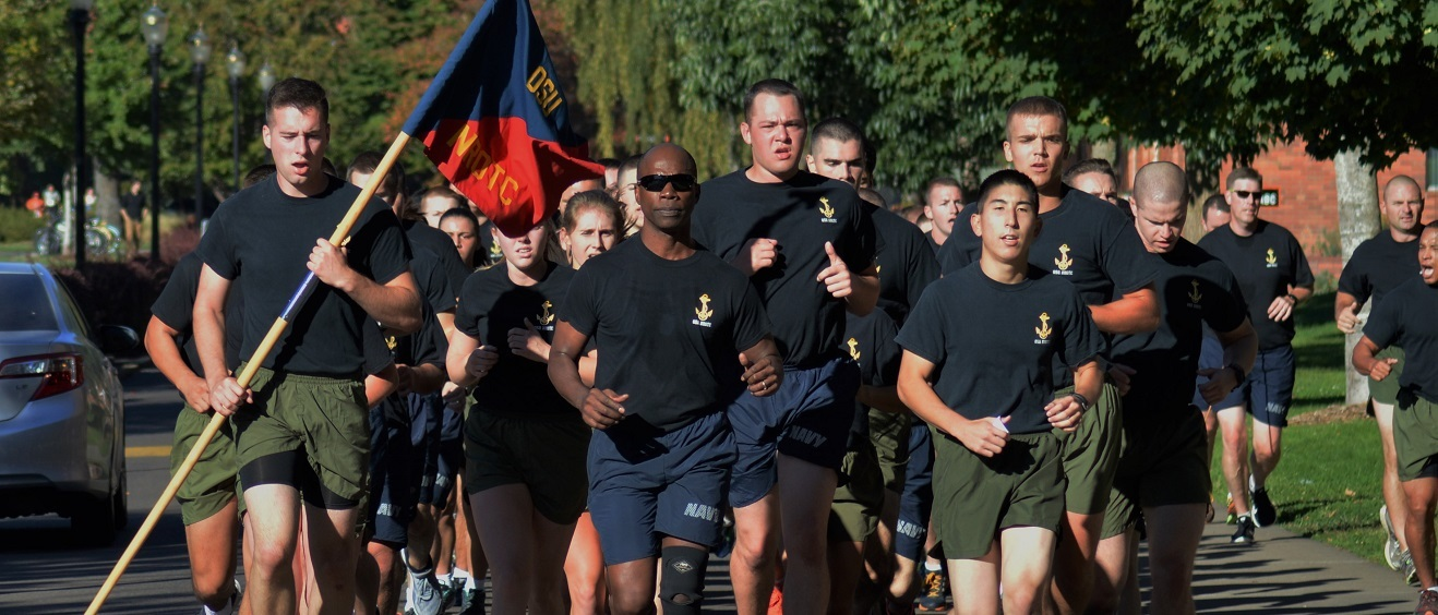 Navy battalion and staff running the Kiwanis course